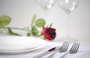 elegant-tableware-1431790_1920